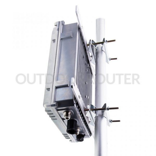 Battery-Powered-Outdoor-WiFi-4G-Router-Outdoor-Pole