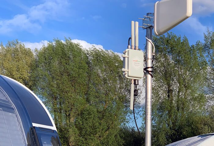 Case-UK-RV-4G-Router-In-Campsite-LPDA-2