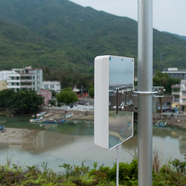 WiFi-Panel-Antenna-Outdoor-Rugged-Deployments